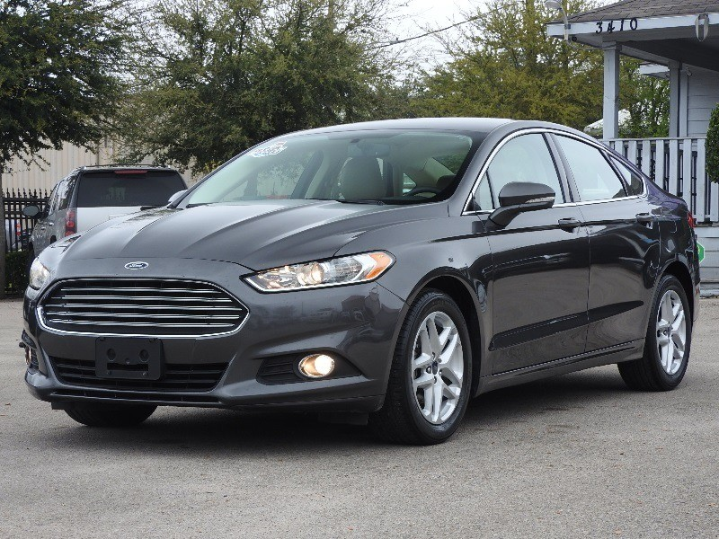 Ford Fusion 2016 price $13,988