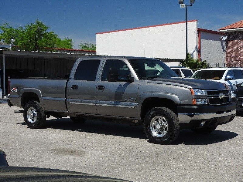 Chevrolet Silverado 2500HD 2006 price $17,888