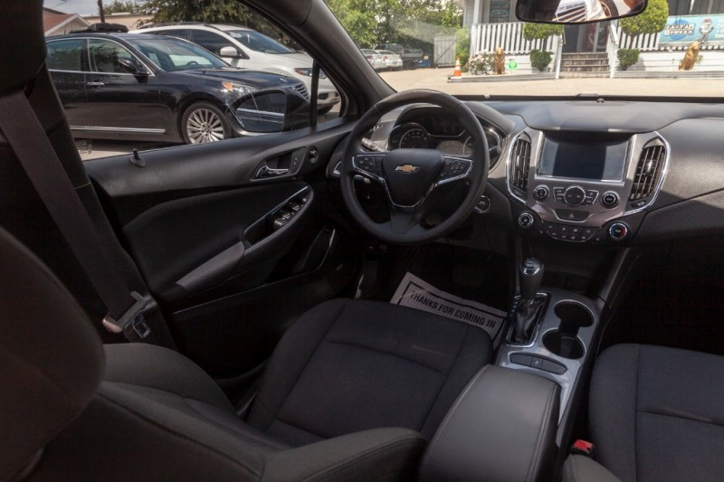 Chevrolet Cruze 2016 price $10,888