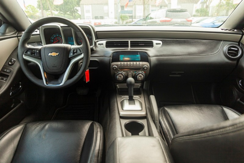 Chevrolet Camaro 2015 price $15,488