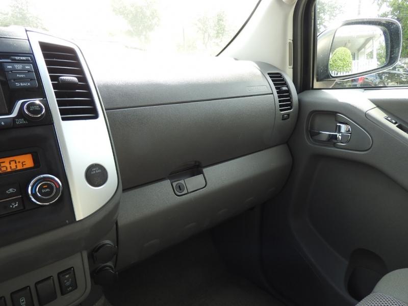 Nissan Frontier 2015 price $15,988