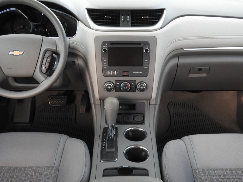 Chevrolet Traverse 2015 price $13,988