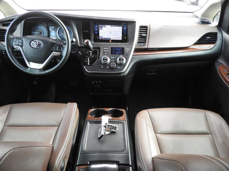 Toyota Sienna 2015 price $22,788
