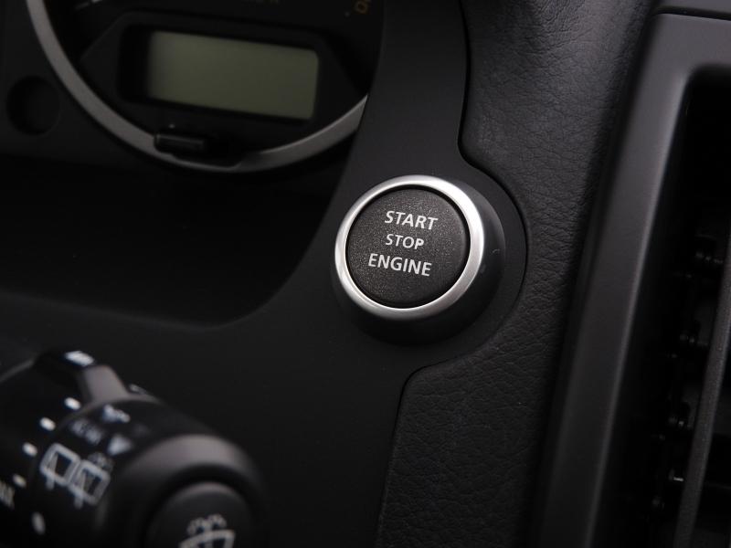 Land Rover LR2 2012 price $14,588