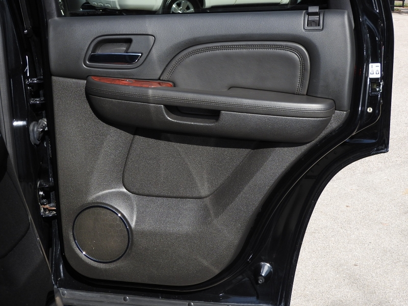 Cadillac Escalade 2011 price $17,988