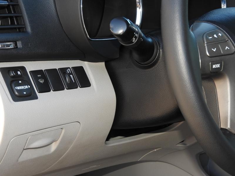 Toyota Highlander 2010 price $10,488
