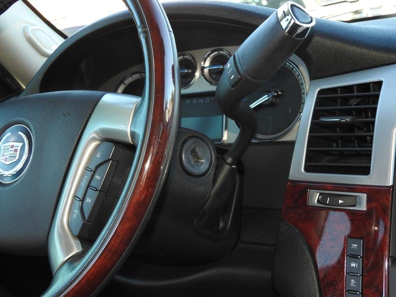 Cadillac Escalade ESV 2011 price $18,388