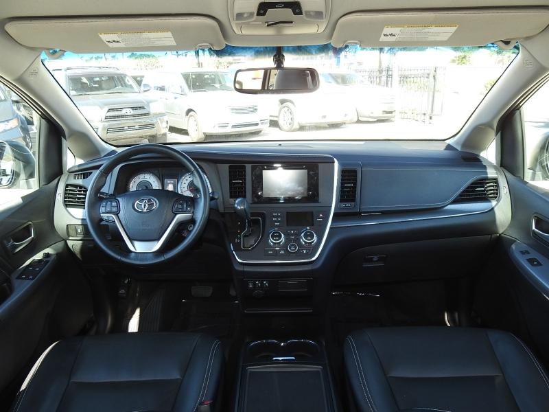 Toyota Sienna 2015 price $18,488