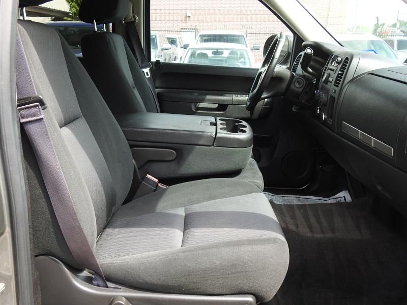 Chevrolet Silverado 2500HD 2013 price $20,988