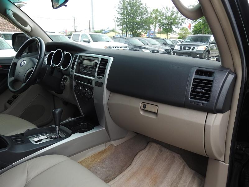 Toyota 4Runner 2005 price $10,988
