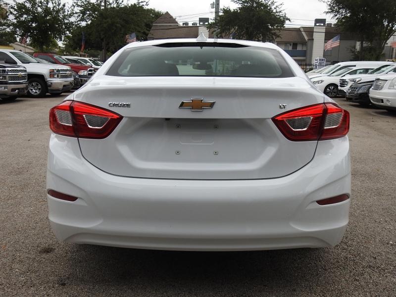 Chevrolet Cruze 2019 price $15,488