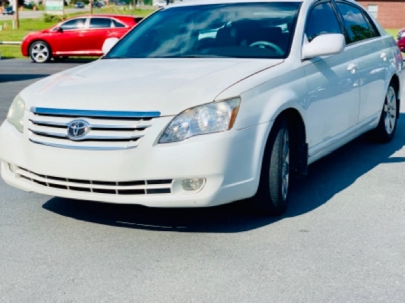 Toyota AVALON 2005 price Call for pricing.