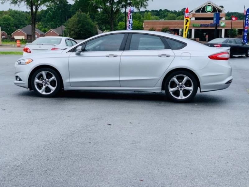 Ford Fusion 2013 price $8,900