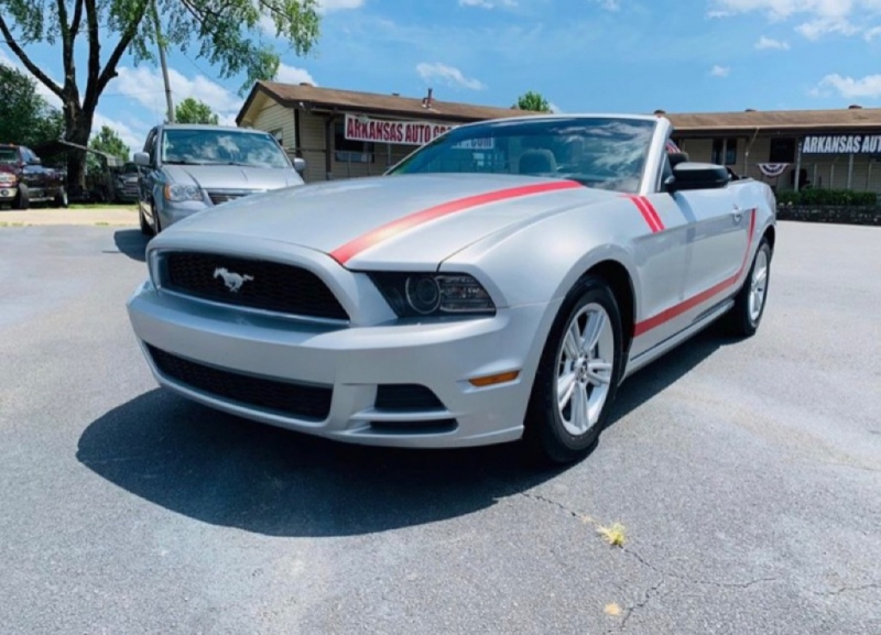 Ford Mustang 2014 price call 501-945-3433