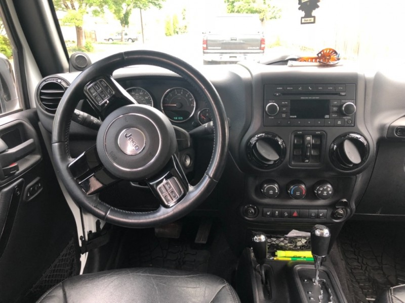 Jeep Wrangler Unlimited 2014 price $26,500
