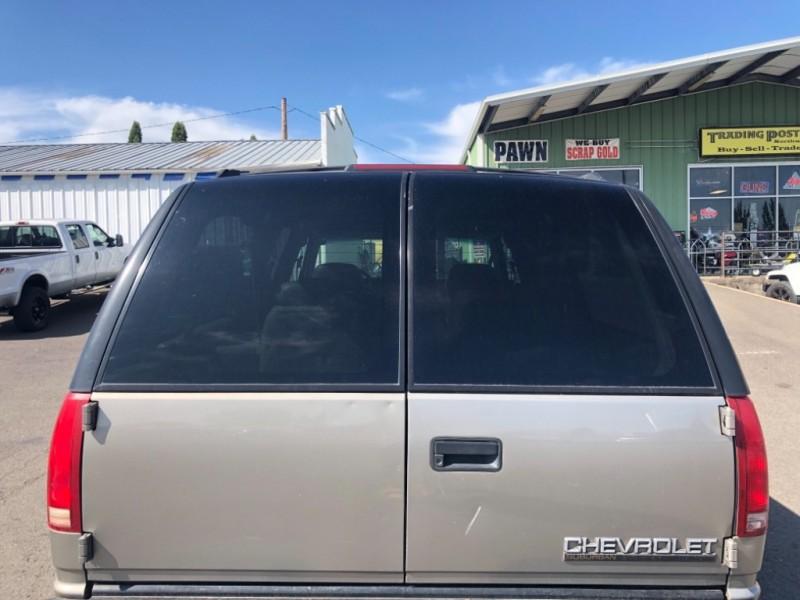 Chevrolet Suburban 1998 price $1,800