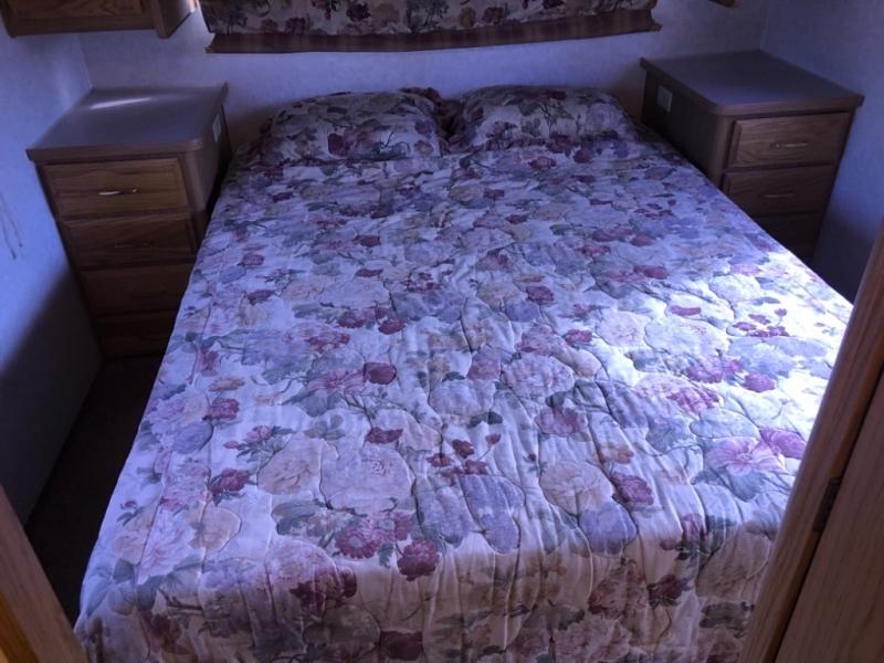 Bounder Fleetwood 1998 price $9,950