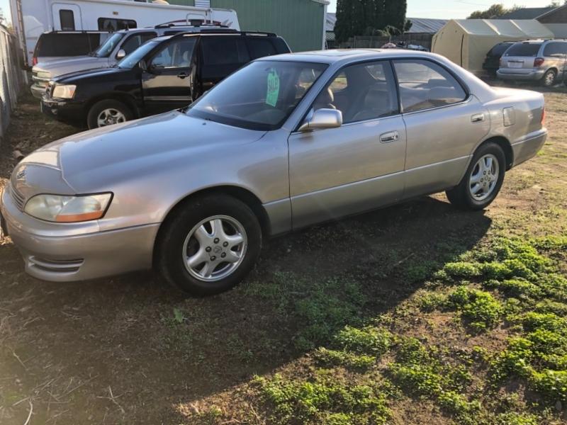 Lexus ES 300 1994 price $1,200