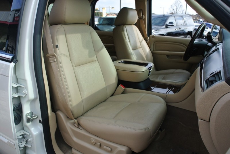 Cadillac Escalade 2014 price $24,650