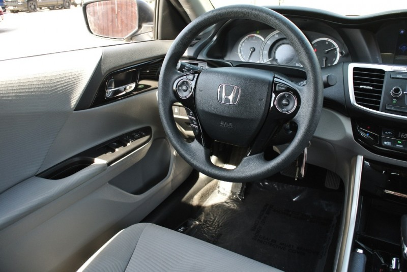 Honda Accord Sedan 2017 price $15,850