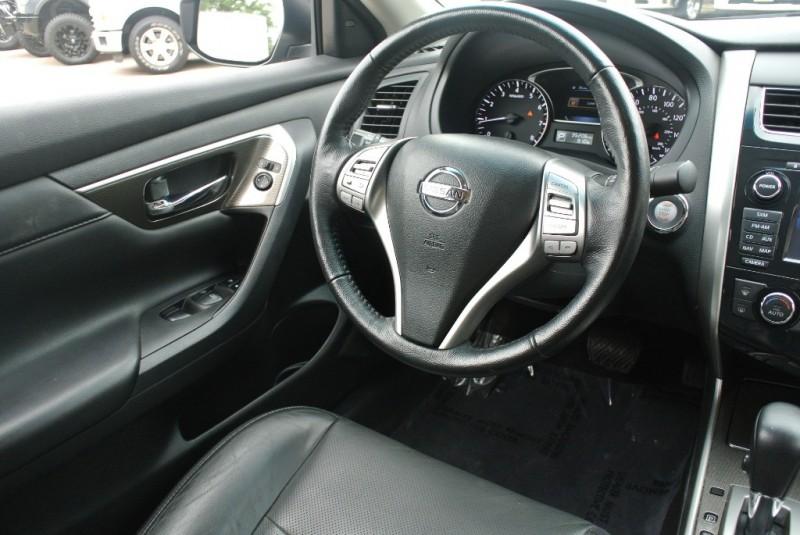Nissan Altima 2014 price $12,950