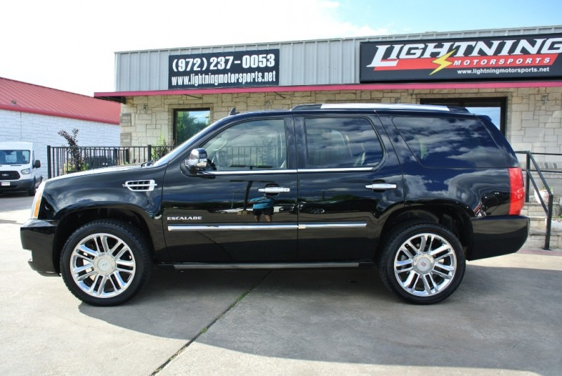 Cadillac Escalade 2011 price $19,850