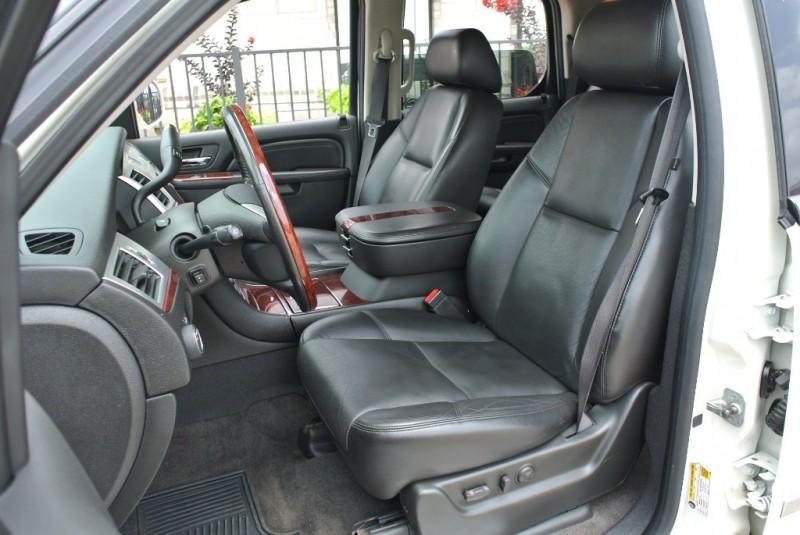 Cadillac Escalade 2010 price $19,850