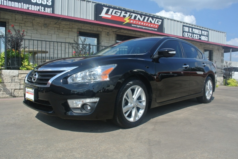 Nissan Altima 2015 price $12,850