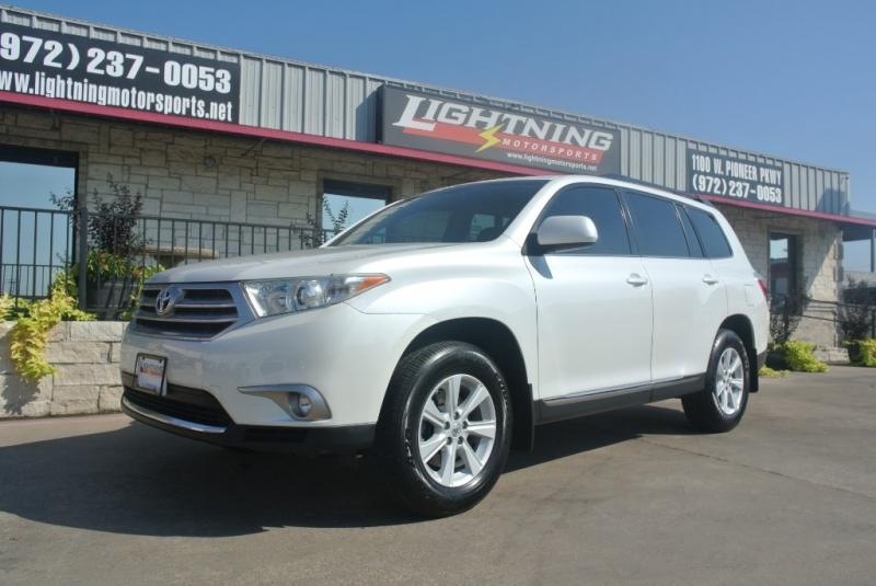Toyota Highlander 2013 price $14,950