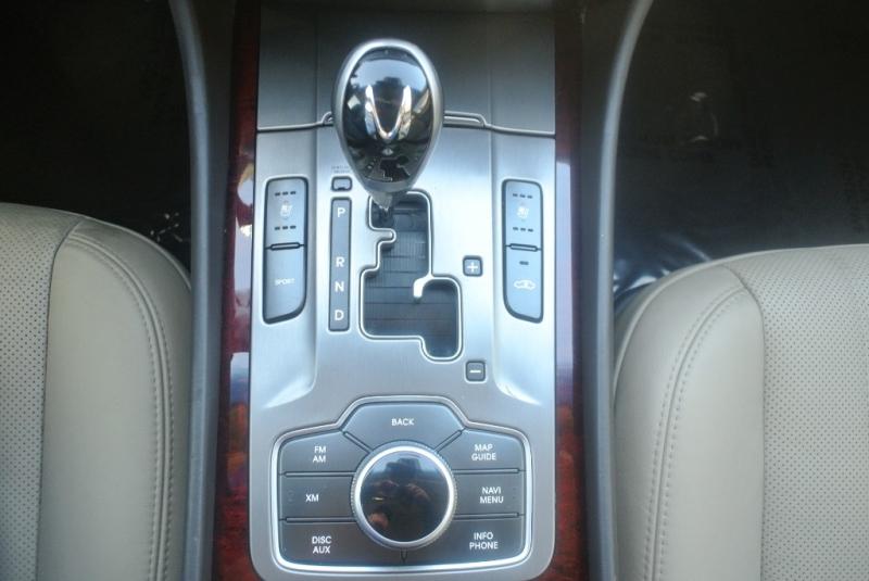 Hyundai Equus 2013 price $14,850