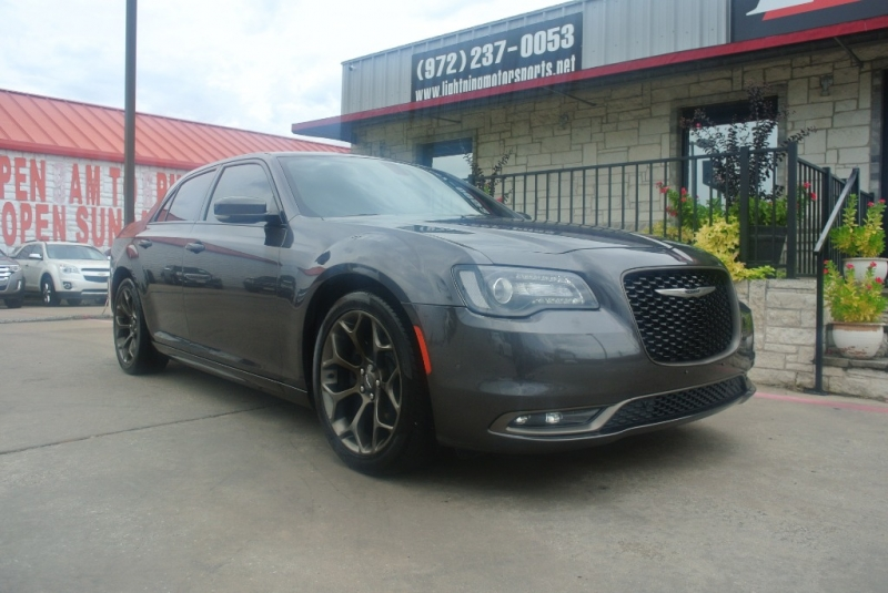 Chrysler 300 2016 price $23,850