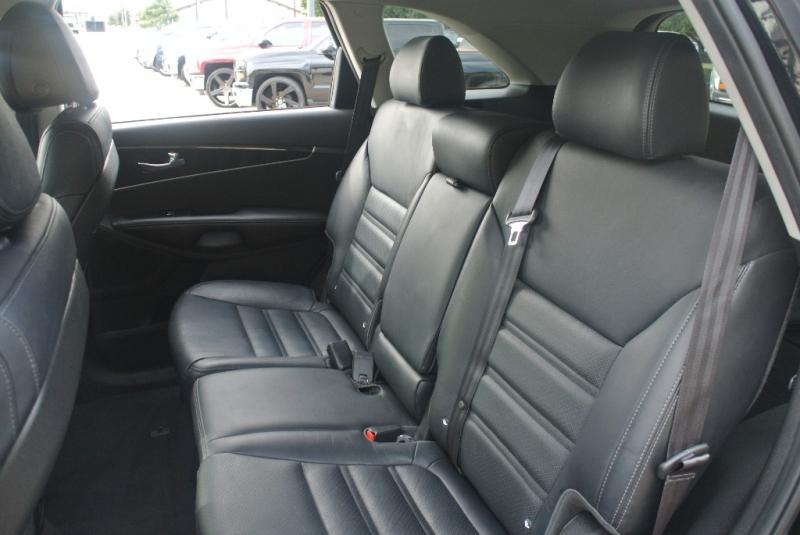Kia Sorento 2016 price $14,650