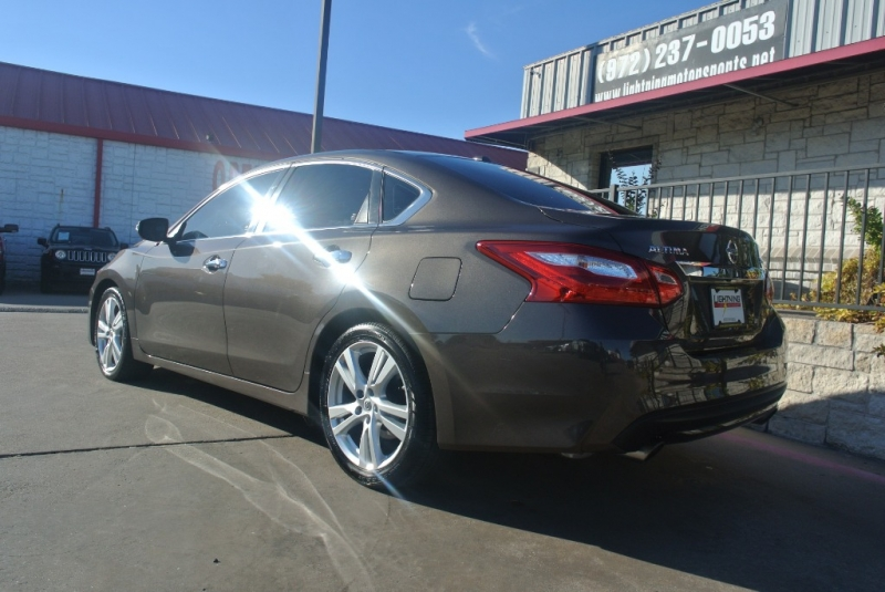Nissan Altima 2017 price $14,850