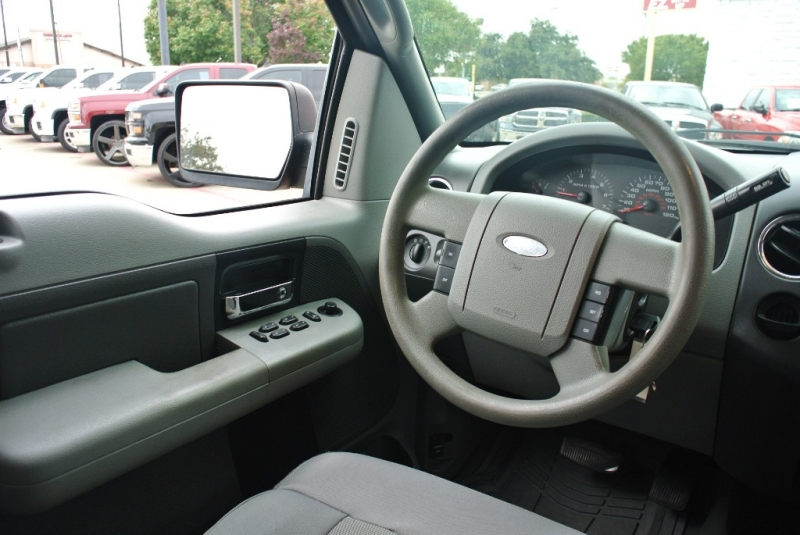 Ford F-150 2006 price $5,950