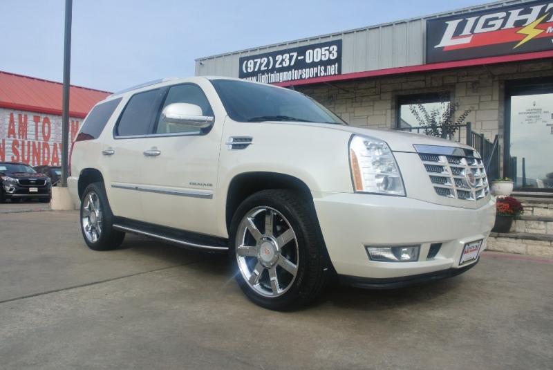 Cadillac Escalade 2010 price $19,995