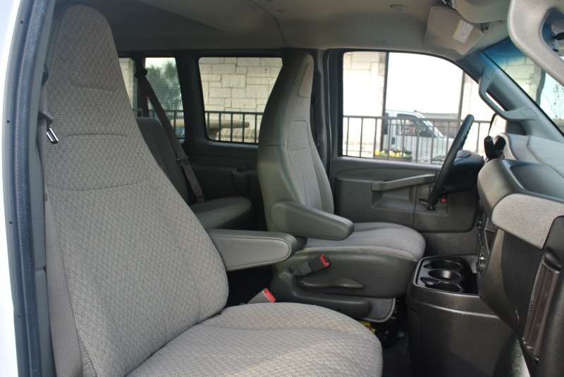 Chevrolet Express Passenger 2017 price $19,850