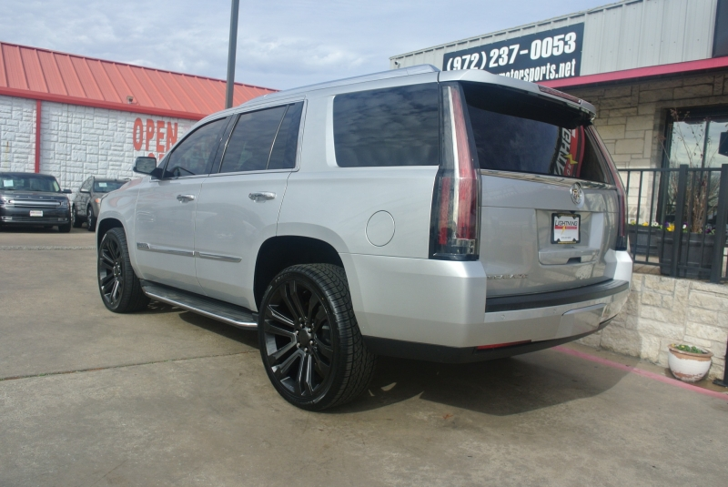 Cadillac Escalade 2015 price $34,950