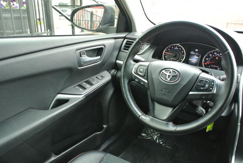Toyota Camry 2015 price $12,950