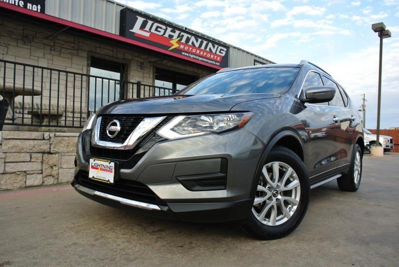 Nissan Rogue 2017 price $14,950