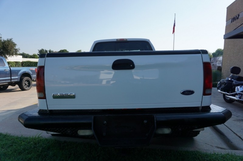 Ford Super Duty F-350 DRW 2006 price $17,995