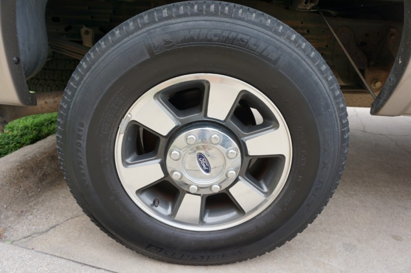 Ford Super Duty F-250 2006 price $13,995