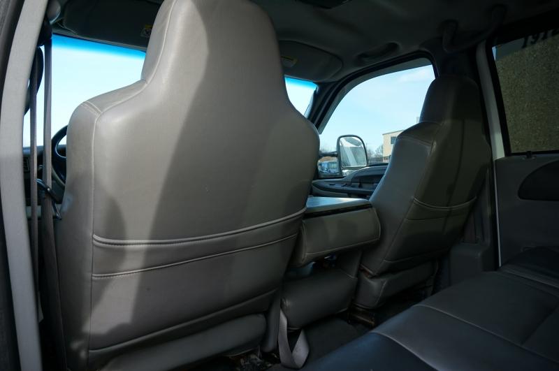 Ford Super Duty F-550 DRW 2004 price $17,995