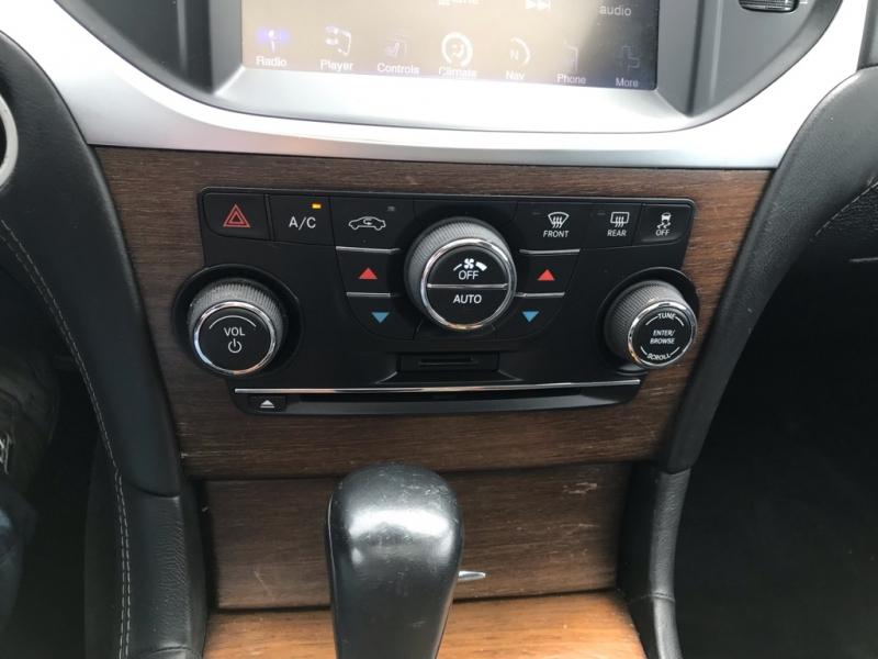 Chrysler 300 JOHN VARVATOS 2013 price $16,995