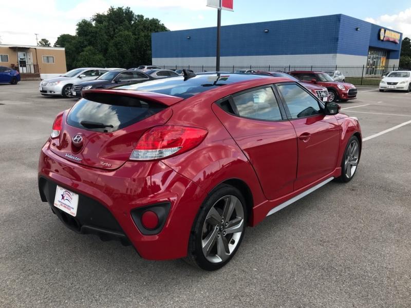 Hyundai VELOSTER 2013 price $9,495