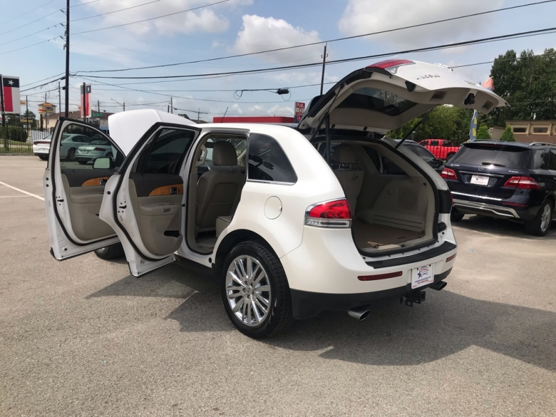Lincoln MKX 2011 price $11,995