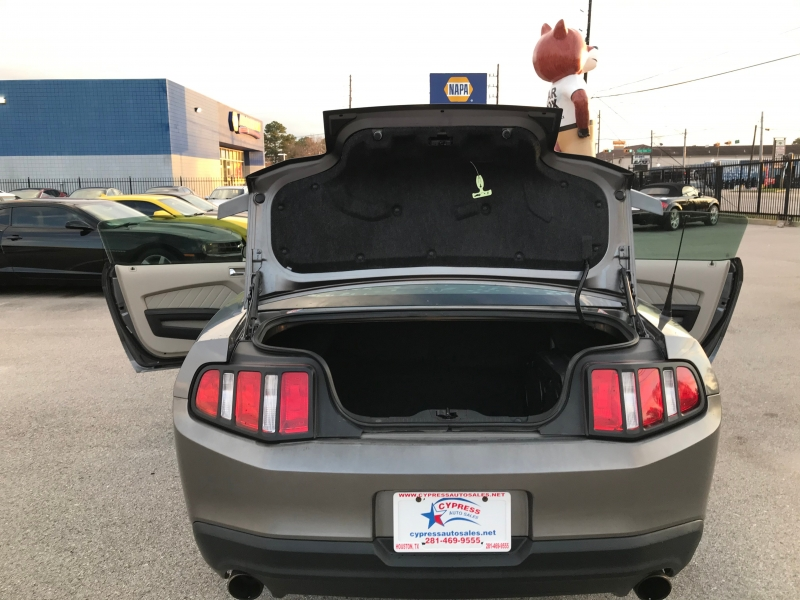 Ford MUSTANG 2010 price $12,995