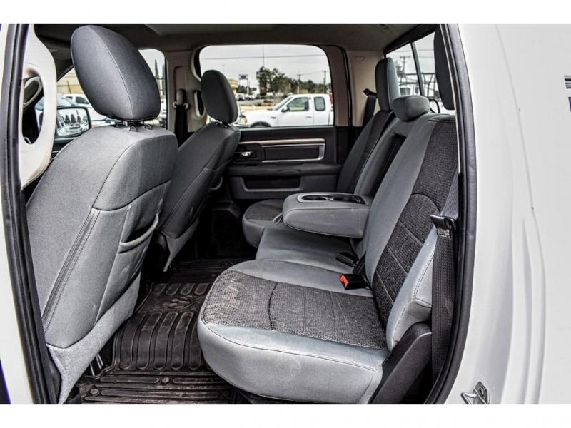 2014 Ram 1500 4WD Crew Cab 140.5 Big Horn / Direct Autoplex 2 / Midland / TX / 79703