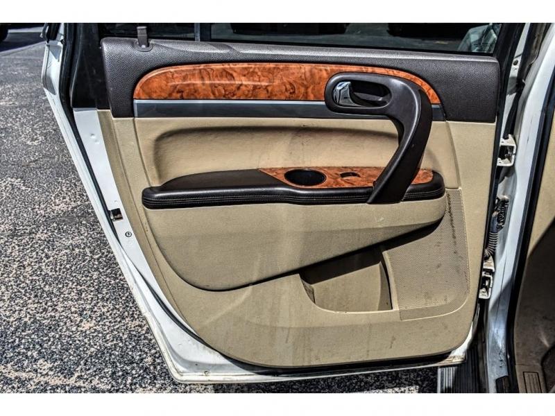 2011 Buick Enclave FWD 4DR CXL-2 / Direct Autoplex 2 / Midland / TX / 79703