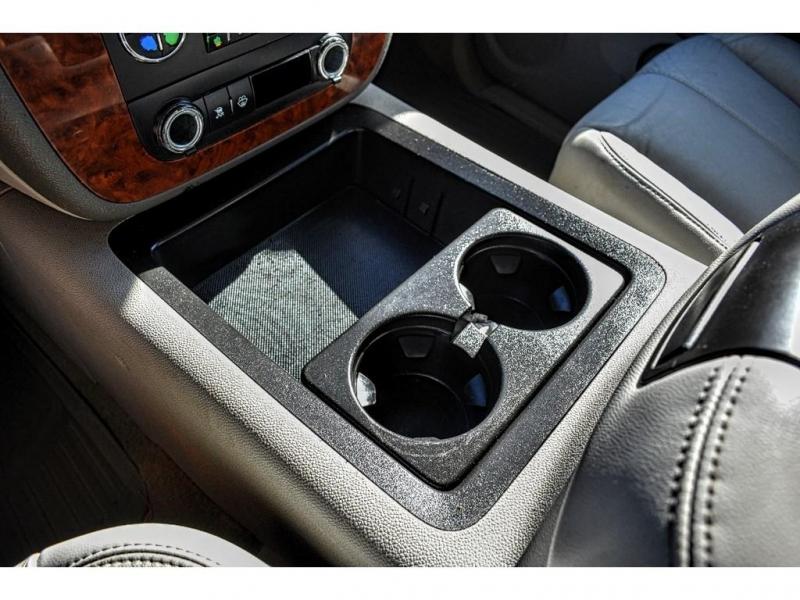 2007 Chevrolet Silverado 1500 4WD Crew Cab 143.5 LTZ / Direct Autoplex 2 / Midland / TX / 79703