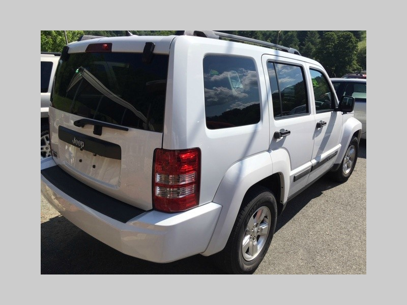 Jeep Liberty 2012 price $9,995